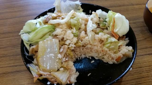 曙橋(新宿近く)『定食屋酒場食堂』の288円定食の食べかけの写真①
