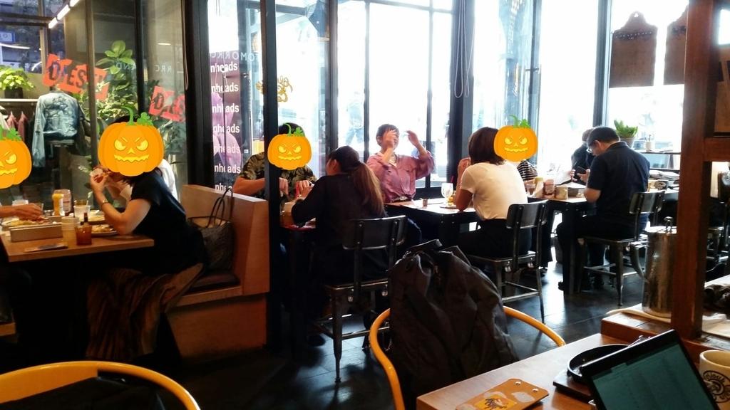 グロリアスチェーンカフェの店内②