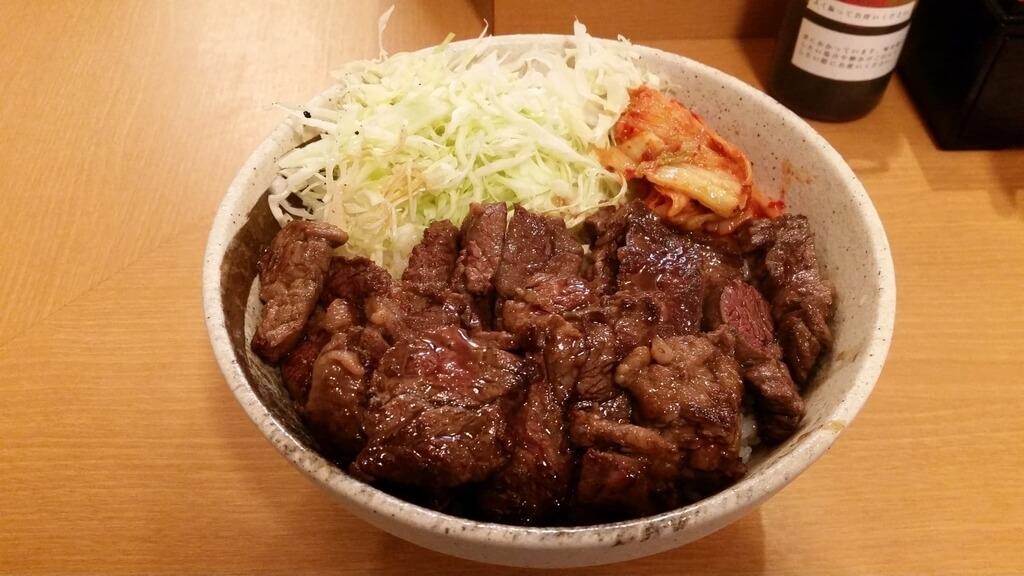 丼やまののハラミ丼肉トリプルご飯大盛り
