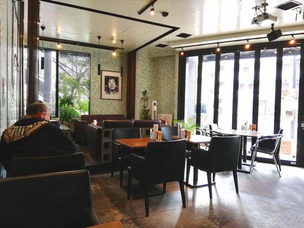 聖蹟桜ヶ丘『cafe GARDEN(カフェ ガーデン)』の店内写真①