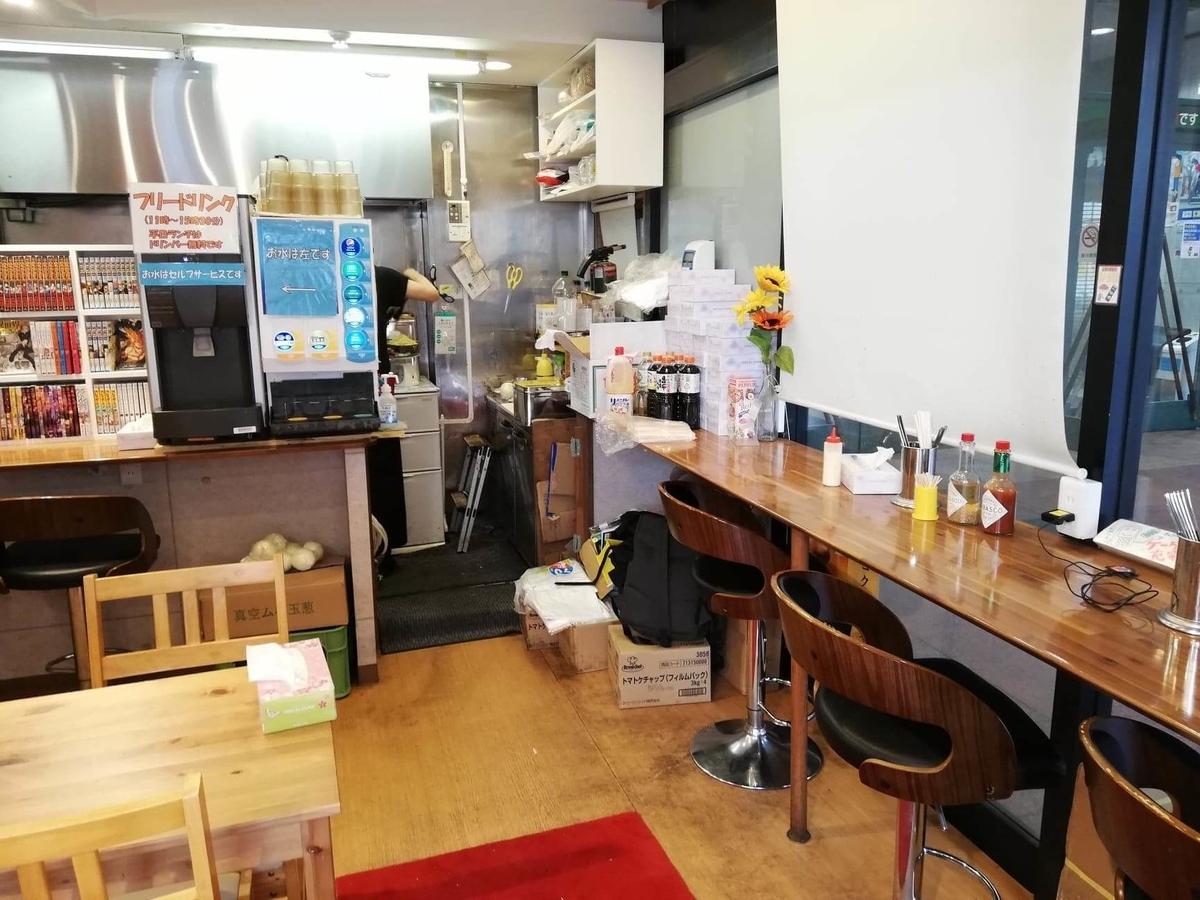立川『スパゲッティPiaPia(ピアピア)』の店内写真①
