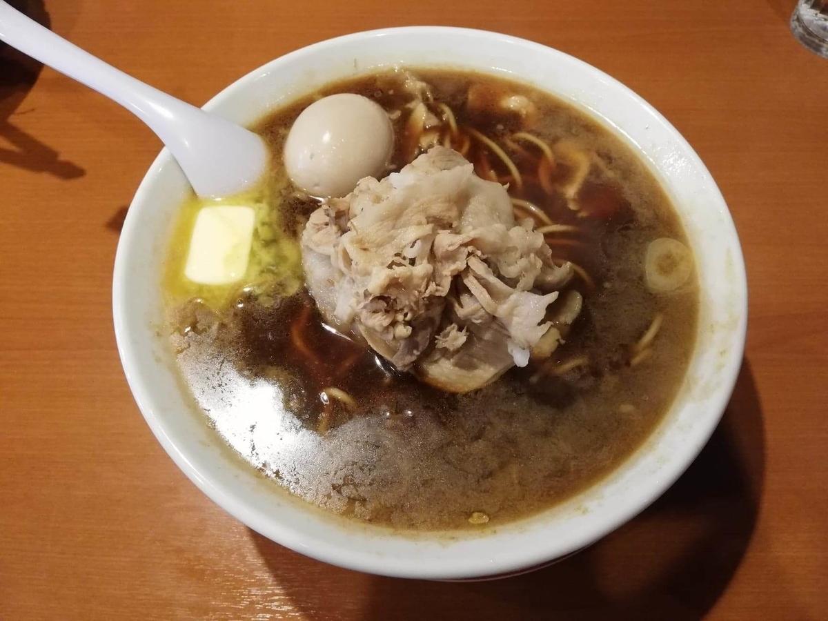記事トップの、『末廣ラーメン本舗』高田馬場分店の、チャーシュー麺の写真