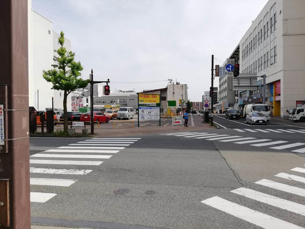 秋田駅中央口から秋田市民市場への行き方写真⑨