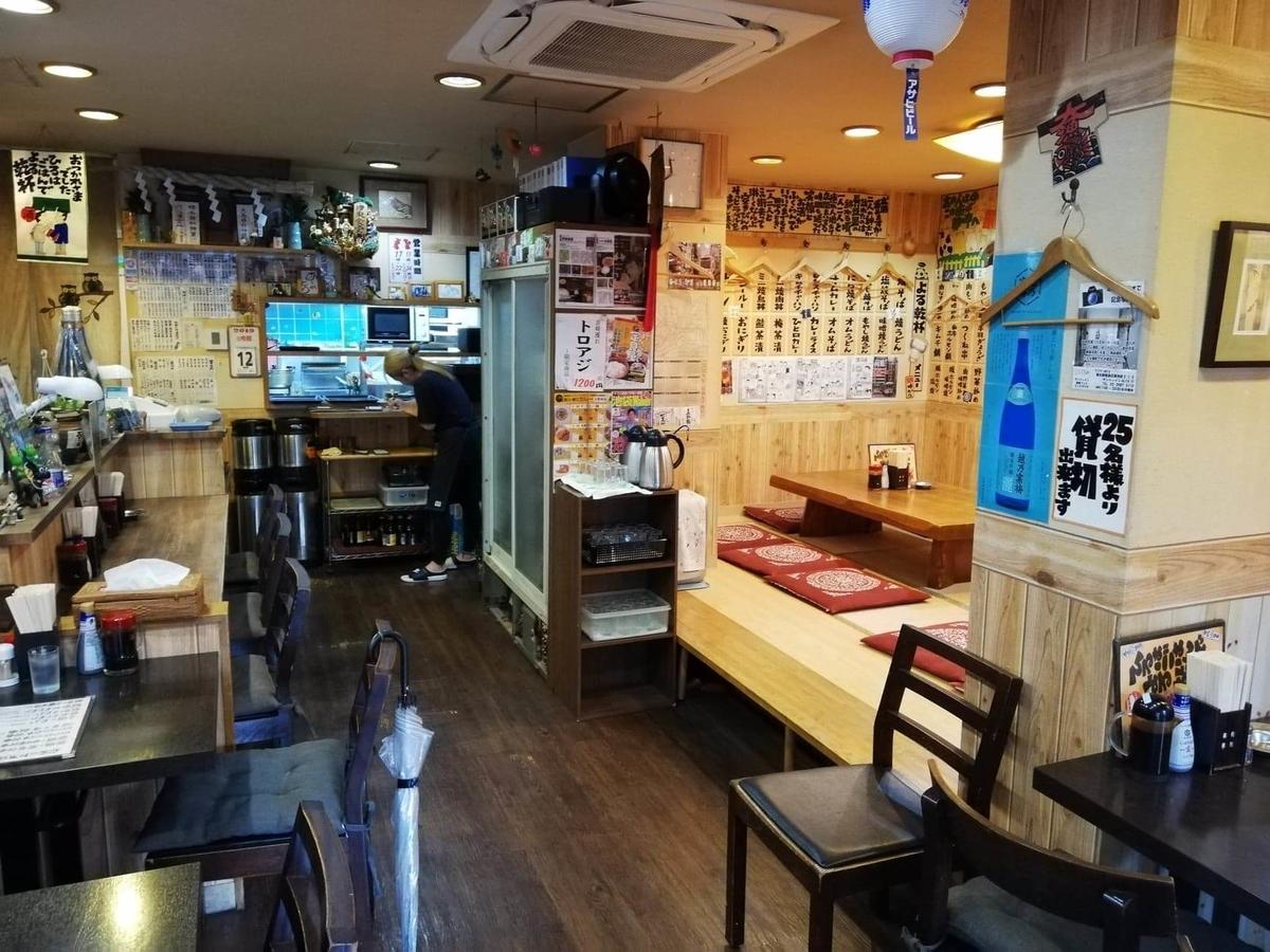 東池袋『伊東食堂』の店内写真②