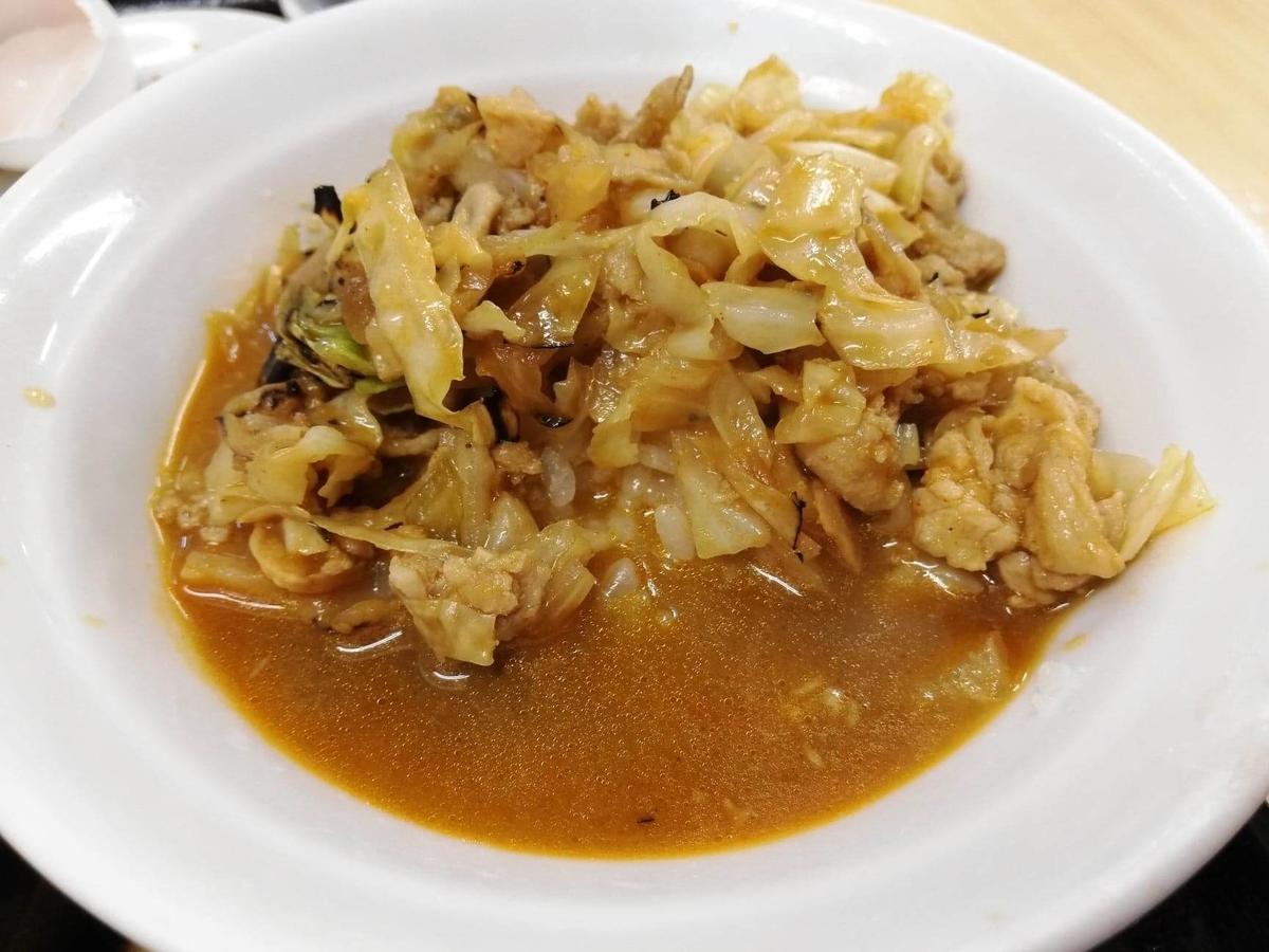 東中野『大盛軒』の鉄板麺とライスを混ぜた写真