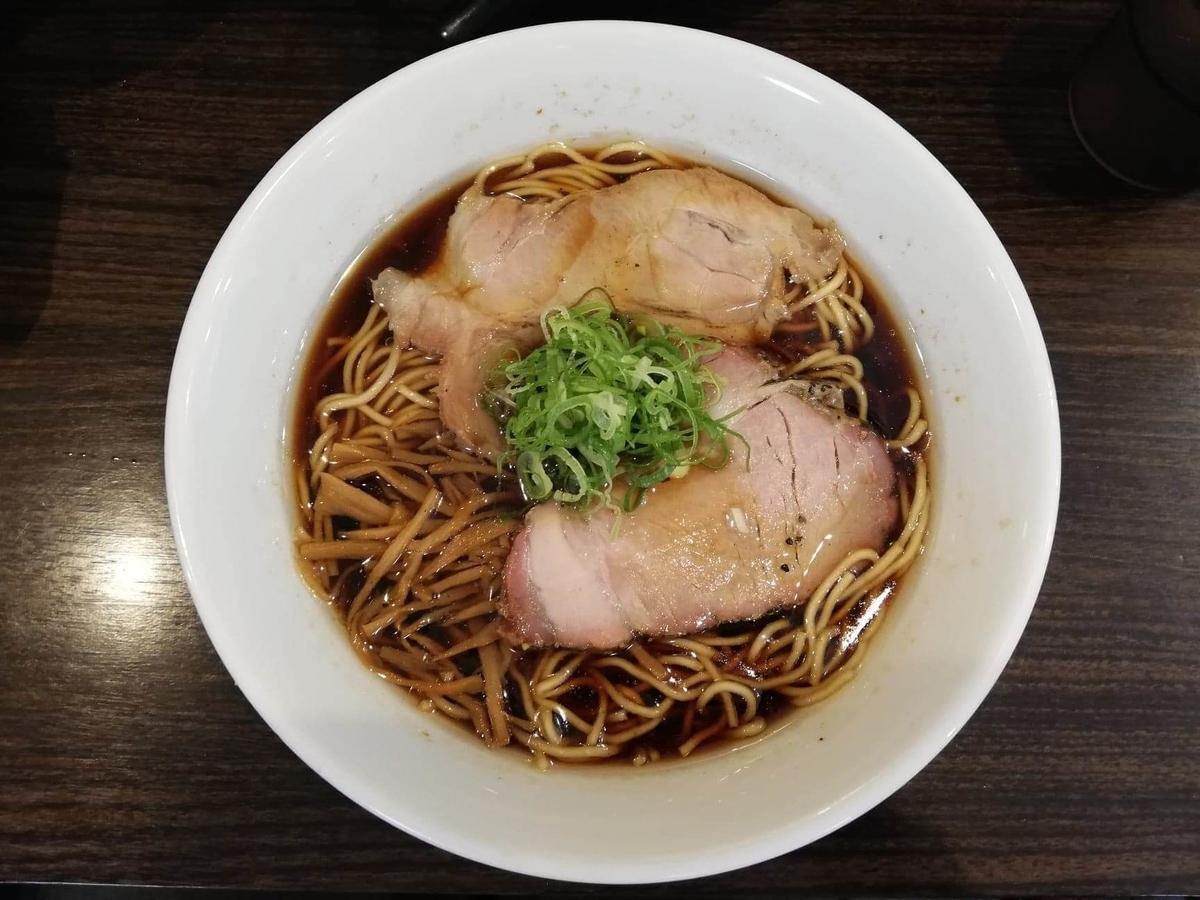 東中野『かしわぎ』の醤油ラーメンの写真
