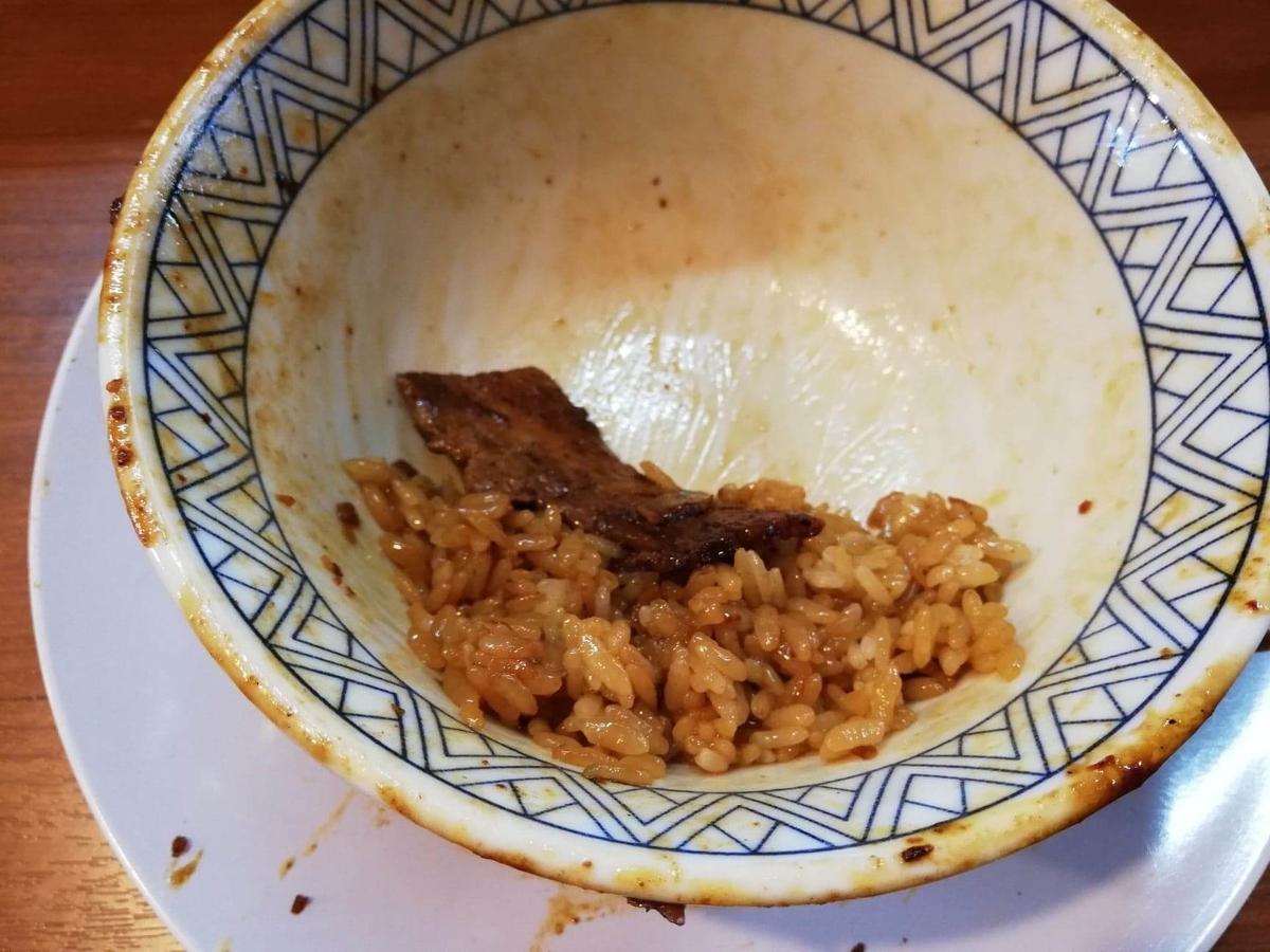 新狭山『豚丼専門店木ノ下』の、残り少しのガーリック豚丼の写真
