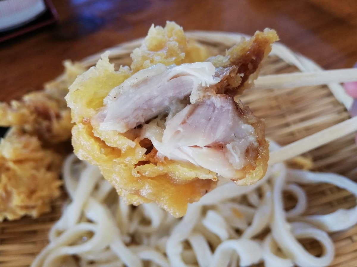 鶴ヶ島(川越)『田舎打ち麺蔵』の、鶏の天ぷらの写真