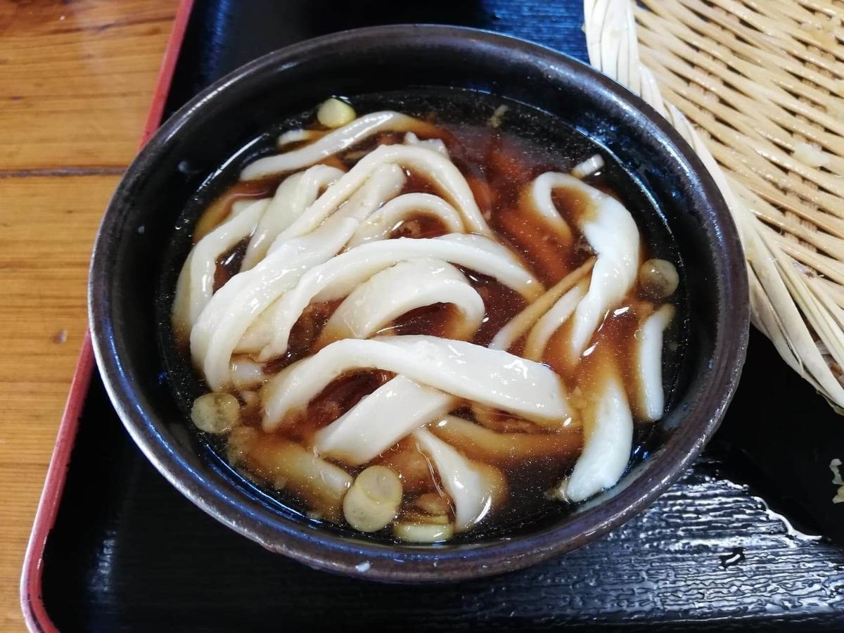 鶴ヶ島(川越)『田舎打ち麺蔵』の、かしわ天ざるの写真
