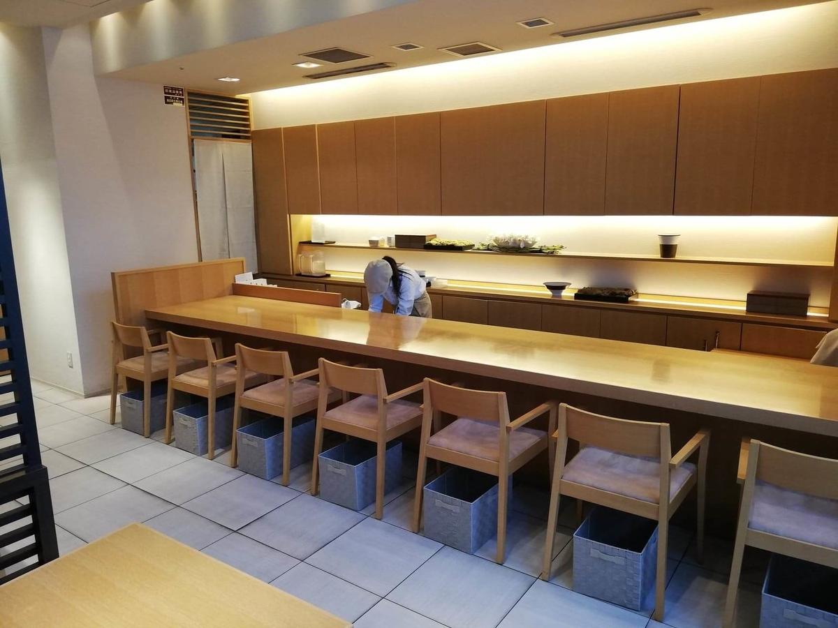 石川県金沢市の金沢駅『FUMUROYA CAFE(フムロヤカフェ)百番街店』の店内写真④