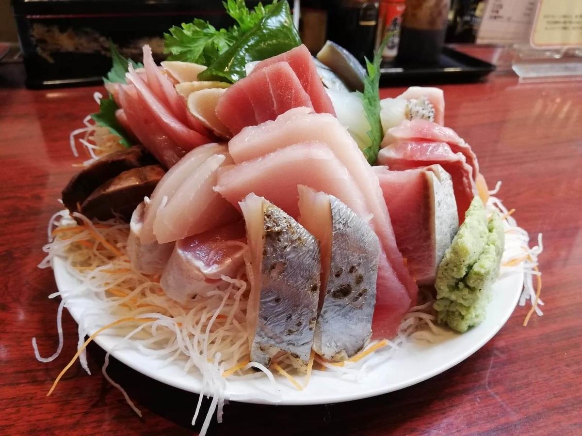 金沢市中央卸売市場『三四味屋』の刺身盛り合わせの写真