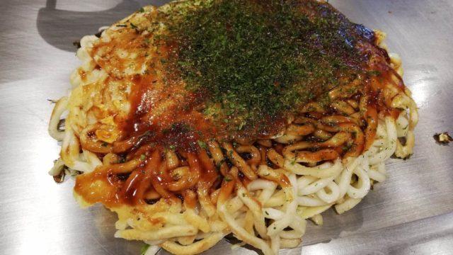 広島県『薬研堀八昌』のうどん肉玉の写真