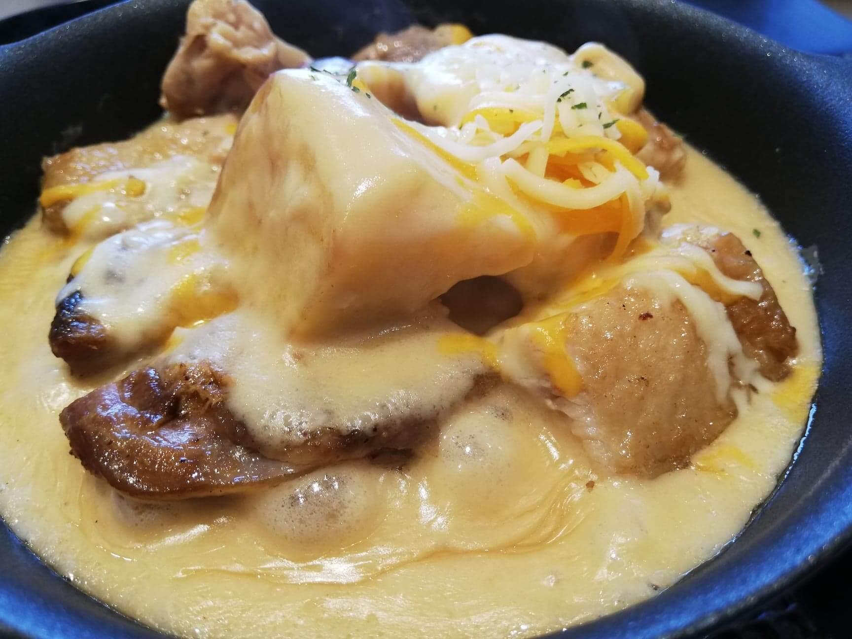 松屋『シュクメルリ鍋定食』のアップ写真