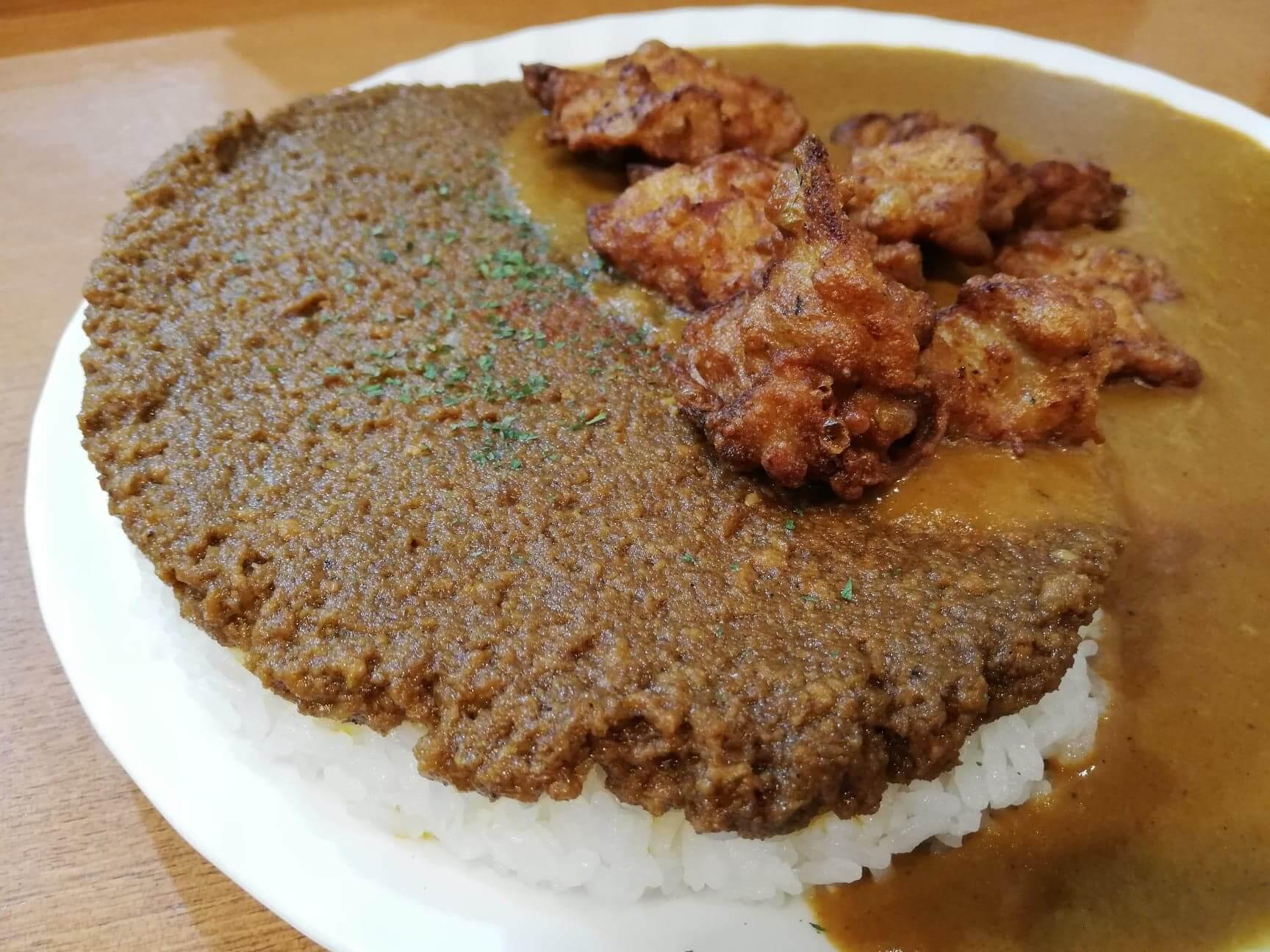 渋谷(神泉)『カレー屋パクパクもりもり』のドライカレーの写真