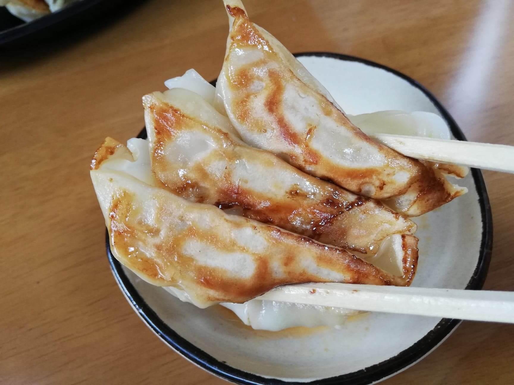 幸楽苑のテイクアウトメニュー『幸楽苑弁当』の餃子の写真
