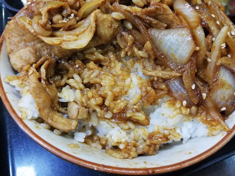 仙台『久美食堂』の焼肉丼のアップ写真