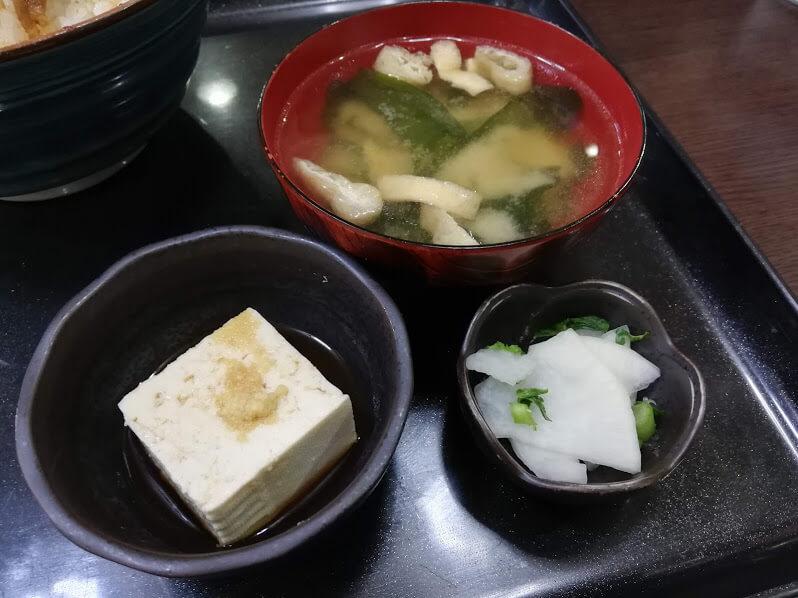 仙台『久美食堂』のサイドメニューの写真