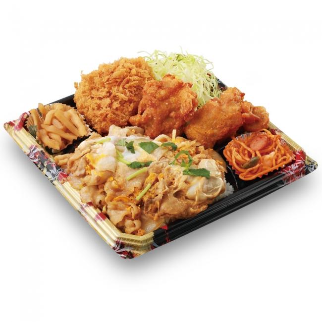かつや『全力飯弁当』の一つ、豚玉丼から揚げチキンカツ弁当の写真