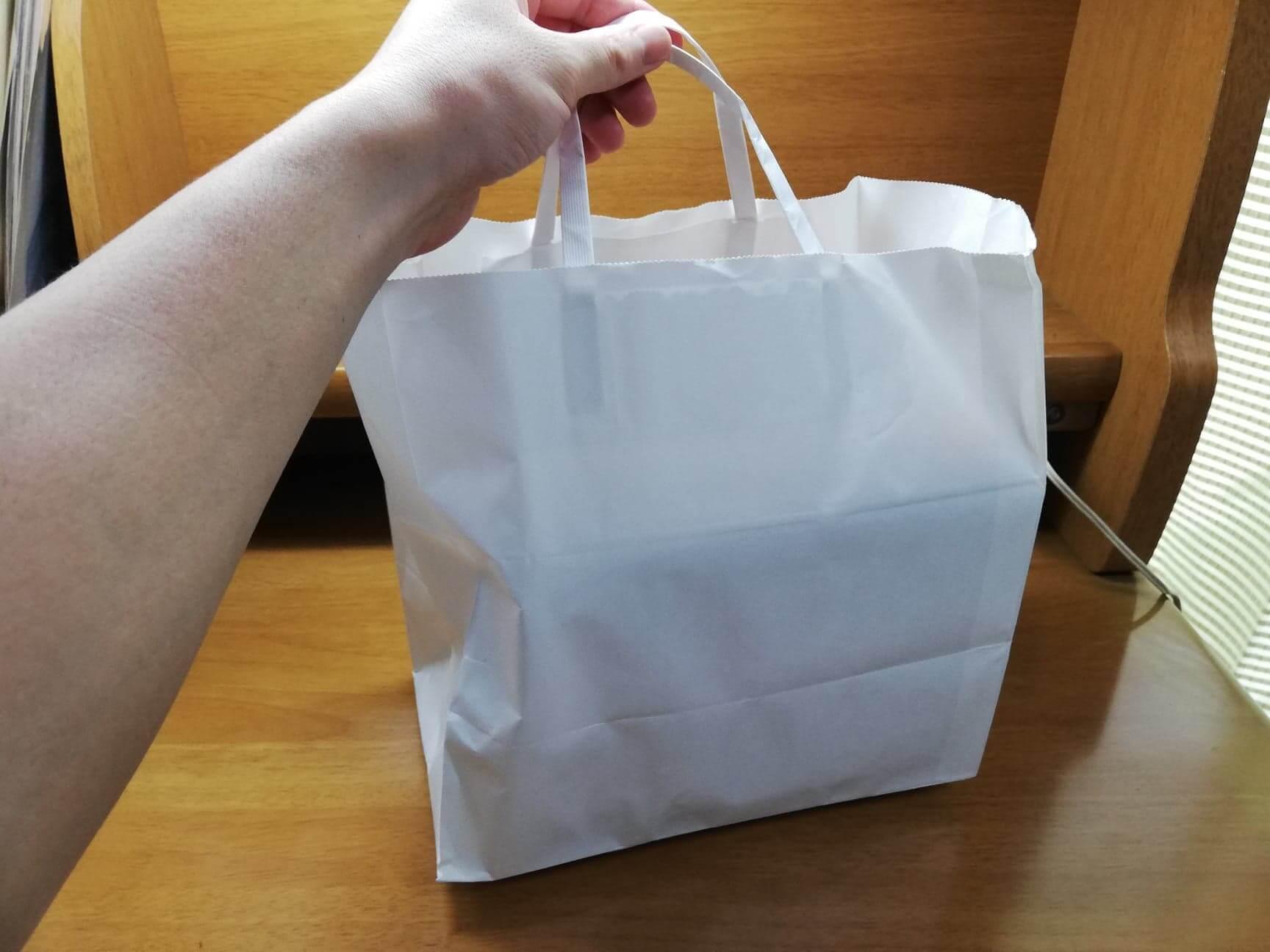 コメダ珈琲店の袋の写真