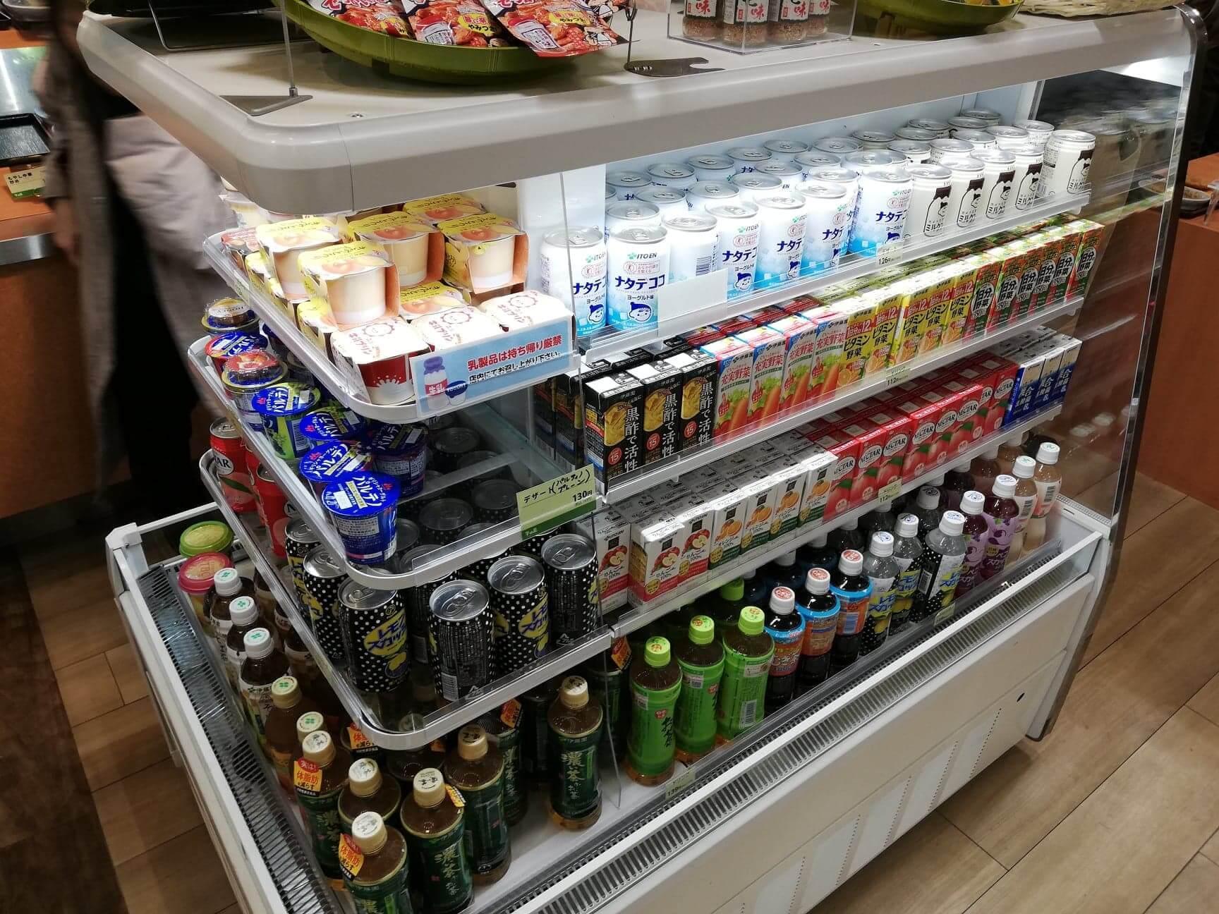 宮城県仙台市『大衆食堂半田屋東口BiVi店』の店内商品写真